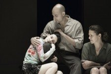 9_Phoebe_Fox_Catherine_Mark_Strong_Eddie_and_Nicola_Walker_Beatrice_in_A_View_from_the_Bridge-1--Jan-Versweyveld