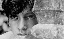 Pather Panchali (1955 India) Directed by Satyajit Ray Shown: Subir Bannerjee